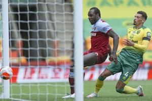Antonio scores 4 as West Ham relegates Norwich from EPL