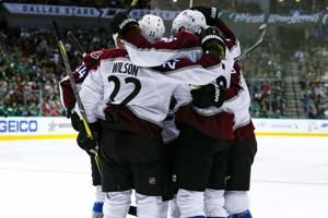 Grubauer's 44 saves help Avalanche overcome Stars 3-1