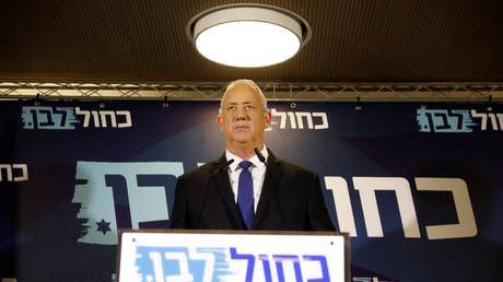 Bibi's out? Gantz refuses to meet with Netanyahu, says he will form unity govt without embattled PM