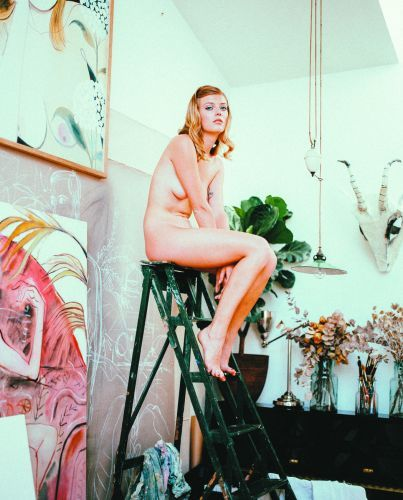 """Muses"" combines a photographer and a painter, both lovers of women and their beauty."""