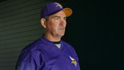 Mike Zimmer won't coach Vikings against Cowboys after emergency eye surgery