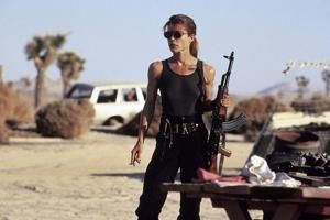 Your daily 6: Cat, chicken bond to survive wildfire, Sarah Connor's shredded guns are back and who the heck is Q?