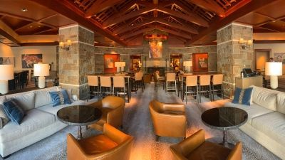 Ascent Lounge at Four Seasons Resort Jackson Hole Receives a Modern Makeover