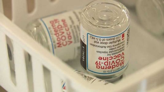 Iowans help others coordinate COVID-19 vaccinations through websites