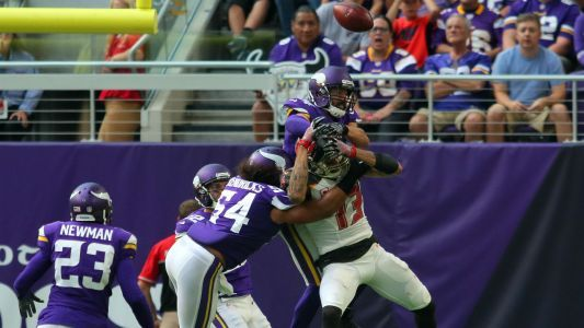 Vikings defense smothers Bucs, compliments play of 'baller' Case Keenum