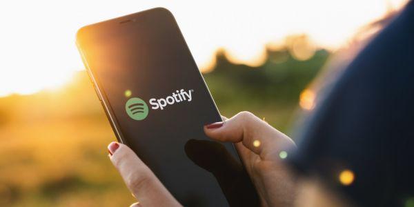 How to change a playlist's name on Spotify using the desktop or mobile app