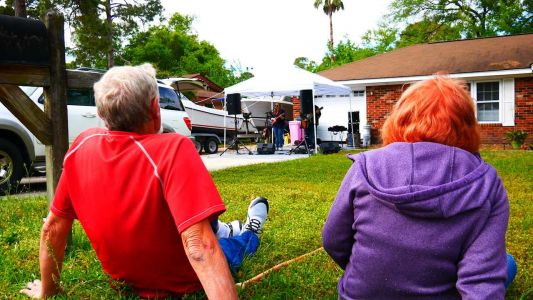 'We don't expect stadiums': Family band plays quarantine concerts for their neighborhood