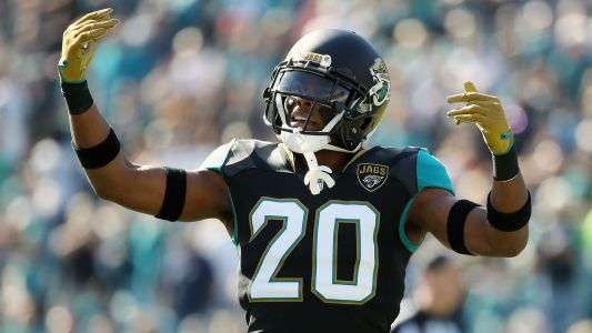 Jalen Ramsey wants Jaguars to start contract extension talks to prove trade rumors are false