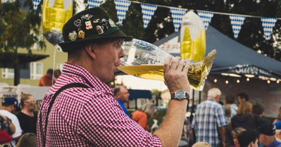Six of the Best American Oktoberfest Beers We've Tasted This Year (2020)