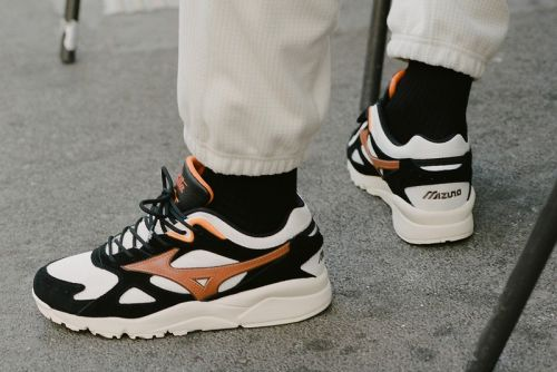 Patta Celebrates the Roadrunner With Latest Mizuno Capsule