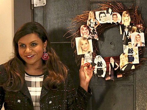 Mindy Kaling took her 'Wreath Witherspoon' pun to the next level with more over-the-top celebrity Christmas decorations