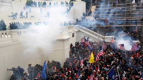 Keeping the 'insurrection' alive? Anti-Trump Lincoln Project LIVE-TWEETS Capitol riot & gets accused of 'retraumatizing' people