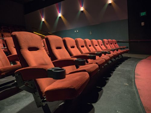 Man dies after getting head trapped by reclining movie theater seat