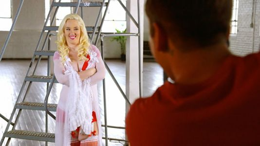 Mama June Was Serving Sexy ~Lewks~ in Her Lingerie Photoshoot on 'From Not to Hot'