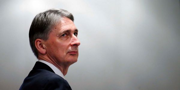 Philip Hammond angers Brexiteers with dire no deal warnings