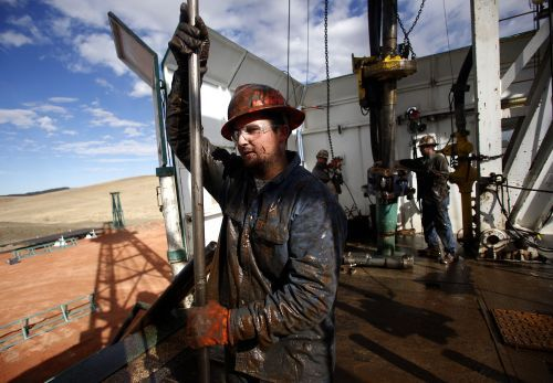 Oil falls after US crude inventories unexpectedly rise