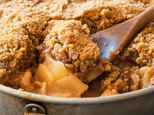 What's the Difference Between a Cobbler, Crisp, Crumble, Buckle, Betty, Pandowdy