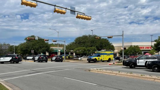 Active shooter reported in Arboretum area in NW Austin, 3 killed