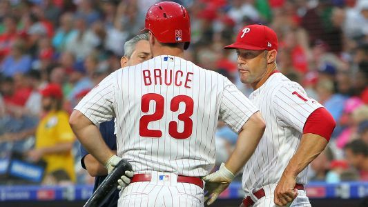 Jay Bruce injury update: Phillies outfielder exits game with possible oblique injury