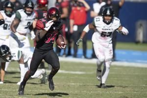 Greg Bell has career-high 160 yards, 2 TDs in Aztecs' win