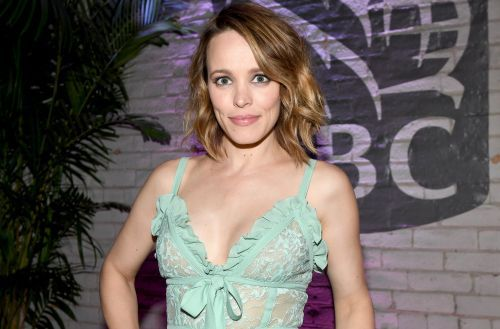 "Rachel McAdams Is ""At Least Seven Months Pregnant"" With Baby No. 1"