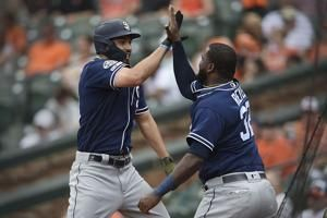 Reyes hits 2 of Padres' 5 HRs in 10-5 rout of Orioles