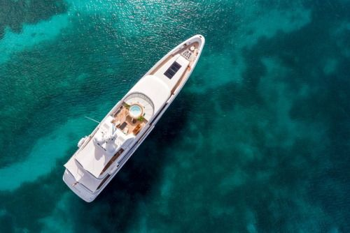 Feadship Motor Yacht Gladiator Resembles a Floating Beach