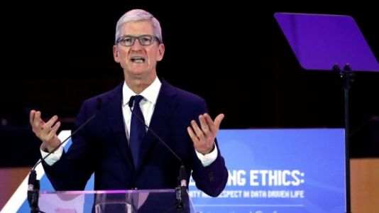 Trump: My relationship with Tim Cook delayed Apple's iPhone tariffs