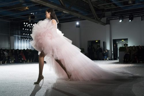 Giambattista Valli's Glamorous, '80s-Tinged Couture Party Dresses Are Not to Be Missed