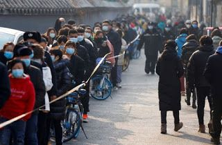 China sees fall in new COVID-19 cases amid strict local lockdowns