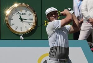 Bryson DeChambeau birdies his way to 1-shot lead in Mexico
