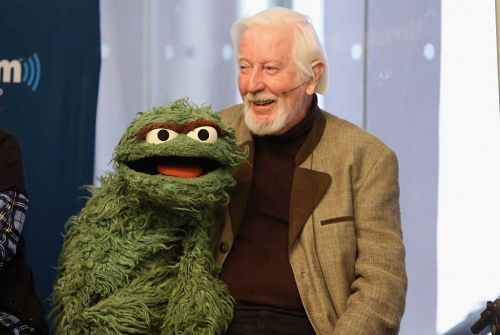 Caroll Spinney, voice of Sesame Street characters Big Bird and Oscar the Grouch, dies