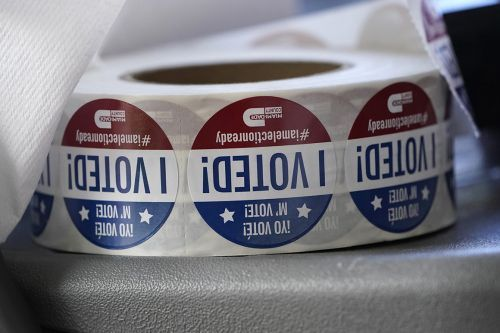 Florida acts to remove felons from voter rolls as election looms