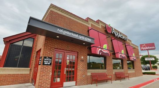 Applebee's in Texas Will Welcome Neighbors During Normal Business Hours on Thanksgiving and Will Serve a One-Day Only Turkey Plate With Traditional Holiday Favorites