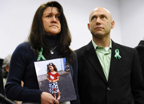 Father of Sandy Hook shooting victim Avielle Richman found dead of apparent suicide outside Newtown town hall