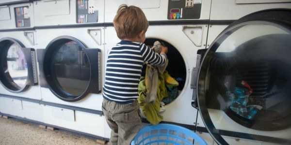 Only 28% of parents assign children chores, poll says