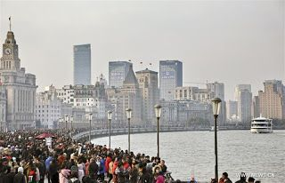 More tourists travel around China during holiday