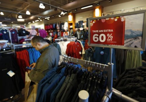 Humbug holidays: U.S. retail sales drop in December