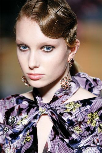 Fall Beauty Looks For Your Clients Spotted on the Autumn/Winter Runways
