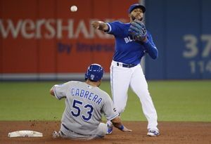 Vargas and 4 relievers toss 2-hitter, Royals beat Jays 1-0