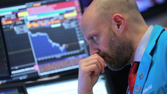 Dow Drops 450 Points Amid Worries Over U.S.-China Tensions