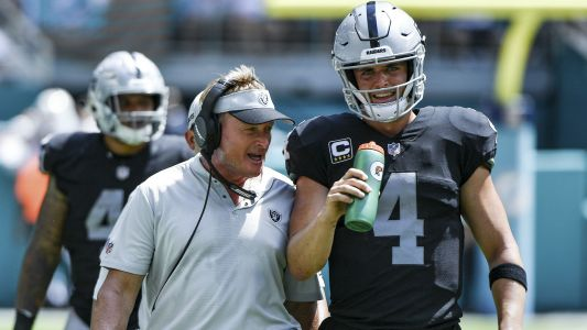 Jon Gruden, Derek Carr on heated sideline exchange: 'Everything's good'