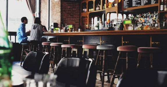 11 Telltale Signs You're in a Great Craft Beer Bar