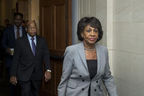 Waters demands that Consumer Bureau pull new payday proposal
