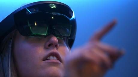 Microsoft staff protest over Pentagon contract for augmented reality tech 'designed to kill people'