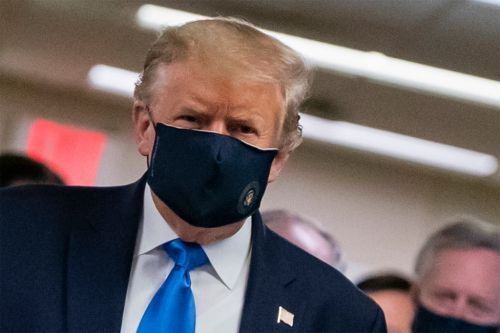 Trump just wore a mask in public for the first time
