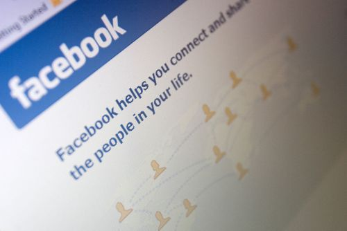 Tired of your friends? Now Facebook has a Snooze button
