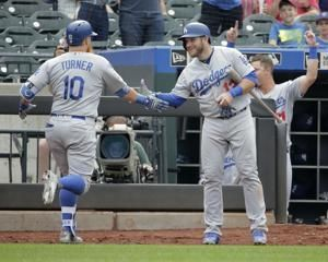 Dodgers hit 7 homers in 8-7 win over Mets