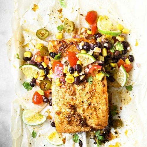 Roasted salmon with crunchy salsa