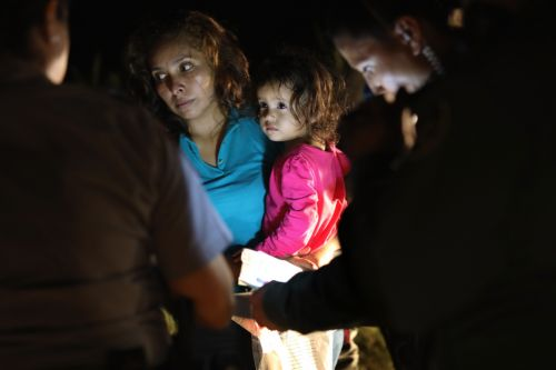 Crying Honduran Girl on the Cover of Time Magazine Was Not Separated From Mother, Father Says
